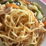秀華苑 - 香ばしい麺