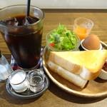 Cafeふたこぶらくだ - アイスコーヒー モーニング付