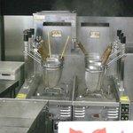 まぐろラーメン本舗  太陽軒 - まぐろラーメン本舗・自動茹で麺機