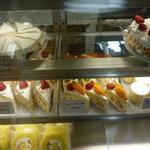 石田屋 - 懐かしい雰囲気のケーキが揃っています♪