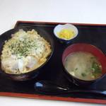 やまや食堂 - 他人丼、本日のランチで630円