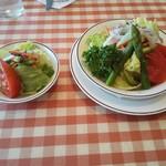 59348308 - プチサラダと単品の野菜サラダ