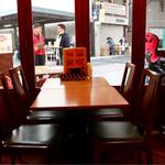 アランチャ - テーブル席
