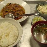 青柳食堂 - ナスとひき肉のピリ辛風