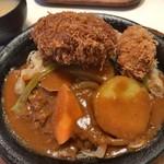キッチンカロリー - 「カレリー焼き」850円+「ビックメンチカツ」300円