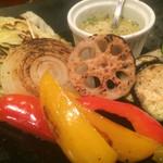 肉バル KACCHAN - 白ワインと相性抜群!焼き有機野菜盛り合わせ