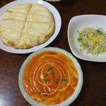ネパールインドスパイシーカレーハウス - レディースセット(1340円)チーズナン