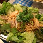 ベトナム屋 DZO! - ヌードルの辛いサラダは毎回食べます❤︎