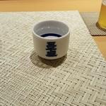 """鮨 土方 - """"三千盛""""お酒はメニュー見ながら一合づつお願いしました。スッキリと美味しいっすね。"""