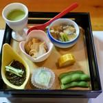 食彩亭たどおし - 料理写真:【先付】もずく酢、枝豆豆腐、南蛮漬け、煮鮑、枝豆、煮こごり