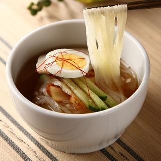 夏はやっぱり「冷麺」で〆