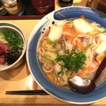 59366432 - 右:牡蠣ちゃんぽんうどん(税込850円)                       左:ミニネギとろ丼(税込220円)