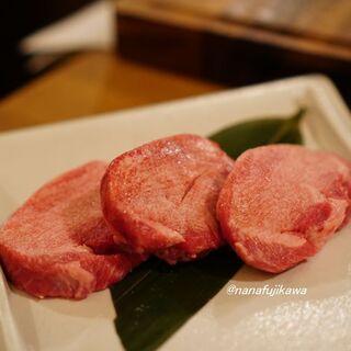 お肉屋 けいすけ 三男坊 - 厚切り牛タン