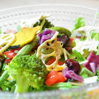 新鮮な京野菜・無農薬野菜たっぷりの身体に優しいメニュー◎