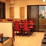 四川創作料理 凜 - カウンターとテーブル席