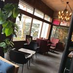 カップス コーヒー&カップケーキ - 店内もオシャレ‼︎