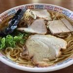 大橋中華そば - 料理写真:中華そば(普通)、鶏がら醤油の澄んだスープ、やや甘みがあり、後味の良いラーメンです