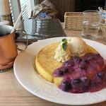 カフェ ド ラパン - 白くてのっぺりパンケーキ^_^