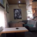 画廊喫茶ジャンル - 店内