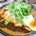 味噌屋 八郎商店 - パクチー辛味噌麺
