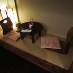浅草花月堂 - ちゃぶ台に座椅子に行灯と、外国人受けが素晴らしく良さそう。