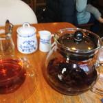 59389759 - ポットサービスの紅茶