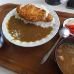 おたふく - 料理写真:かつカレー700円