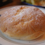 ステーキハウス ブロンコビリー - パンぱさぱさ