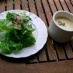 ハナムラ - セットのスープとサラダ