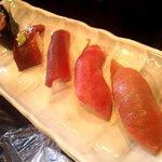 咲乃家 - まぐろ寿司盛り