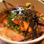 咲乃家 - ウニトロ丼