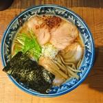 めん処 樹 - 2016年11月 醤油チャーシュー麺 950円