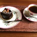 カフェ ミティーク - ゲイシャとミロワールショコラ