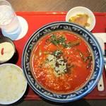 中国料理 吉珍樓 - 四川風本格担々麺セット 1,300円(税込)。