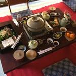 もみぢ家別館 川の庵 - 料理写真:湯豆腐定食 竹
