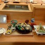 八百亀 - 料理写真:季節の天ぷら盛り合わせ(ランチメニュー)2000円
