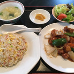 永徳酒家 - 料理写真:酢排骨=580円 炒飯セット=400円