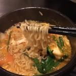 韓国風居酒屋おんどる - 麺箸上げ