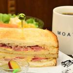 カフェ・モート - トーストサンドセット