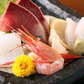 北陸地方の新鮮魚介を使用