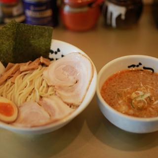 豊富な他麺類、必食のつけ麺!!
