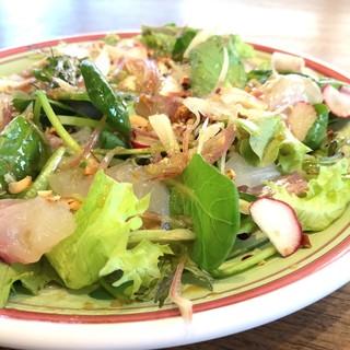 兵庫県鈴蘭台から届く新鮮な野菜を中心に作られる料理の数々♪