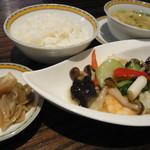 中国名菜 銀座アスター - イカと青梗菜のゆず炒め