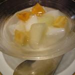 中国名菜 銀座アスター - デザートの杏仁豆腐