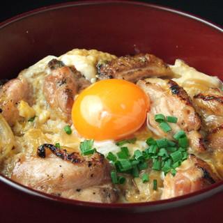 おすすめは「名古屋コーチンの炙りとろとろ親子丼」