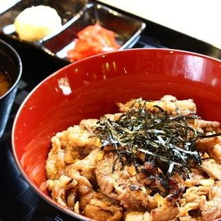 ♢平日限定商品♢牛カルビ丼(味噌汁付き)