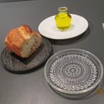 eclat - フランスパン、オリーブオイル