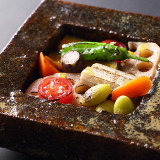 陶芸アーティスト「内田鋼一」×野菜ソムリエ厳選野菜