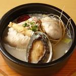 水刺齋 - アワビ参鶏湯