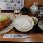 燕楽 - とんかつ ¥750-